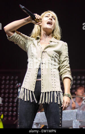 Rosemont, Illinois, USA. 15th June, 2015. Musician EMILY HAINES of Metric performs live on stage at the Allstate - Stock Photo