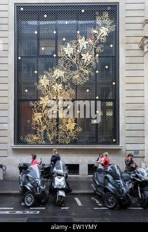 Contemporary decorative window screen on the Caisse des Depot et Consignations (CDC) at 56 Rue de Lille in Paris, - Stock Photo
