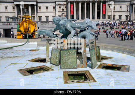 London, England, UK. Trafalgar Square - fountains emptied of the water for cleaning - Stock Photo