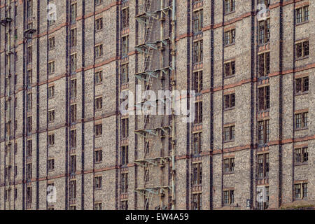 Detail of the derelict Tobacco Warehouse in Liverpool. One of the largest brick buildings in the world. - Stock Photo