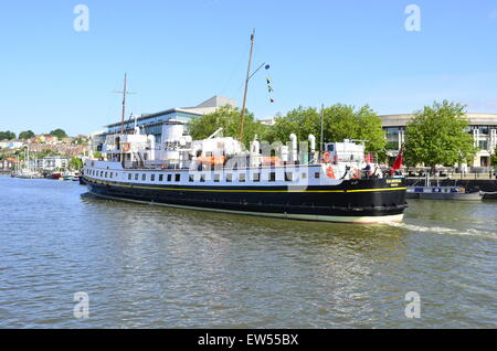 Bristol, UK. 18th June, 2015. UK Weather. The Balmoral sailing ship seen at the floating harbour getting ready for - Stock Photo