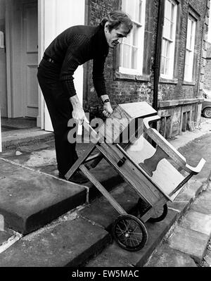 The latest acquisition at the Kirkleatham hall museum, near Redcar, is a turn-of-the century weighing machine unearthed - Stock Photo