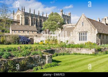 OXFORD CITY CHRIST CHURCH GARDENS OVERLOOKED BY THE CATHEDRAL - Stock Photo