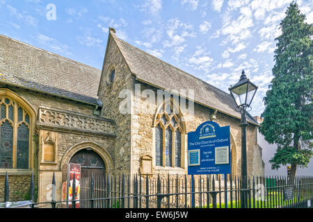 OXFORD CITY ST. MICHAEL CHURCH AT THE NORTH GATE IN CORNMARKET STREET - Stock Photo
