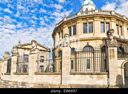 OXFORD CITY THE ROW OF  EMPEROR HEADS OR HERMS AT THE SHELDONIAN THEATRE - Stock Photo