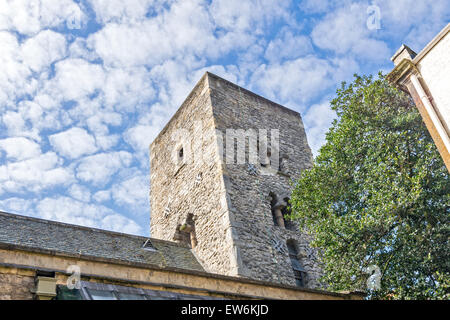 OXFORD CITY TOWER OF ST. MICHAEL AT THE NORTH GATE A SAXON TOWER MADE FROM CORAL RAG - Stock Photo
