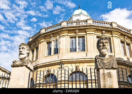 OXFORD CITY TWO OF  THE EMPEROR HEADS OR HERMS AT THE SHELDONIAN THEATRE - Stock Photo