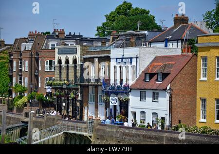 Lower Mall, Hammersmith, West London, featuring The Blue Anchor and Rutland Arms pubs, England, UK - Stock Photo