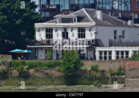 The Old Ship pub, Upper Mall, Hammersmith, London, England, UK - Stock Photo