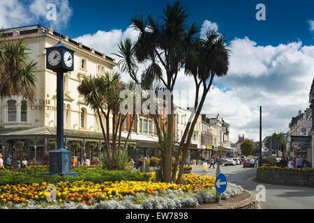 UK, Wales, Conwy, Llandudno, floral roundabout at Mostyn Street and Gloddaeth Street junction - Stock Photo
