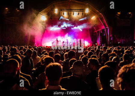 Barcelona, Catalonia, Spain. 20th June, 2015. Festival goers move to the music of 'Hudson Mohawke' during it's live - Stock Photo