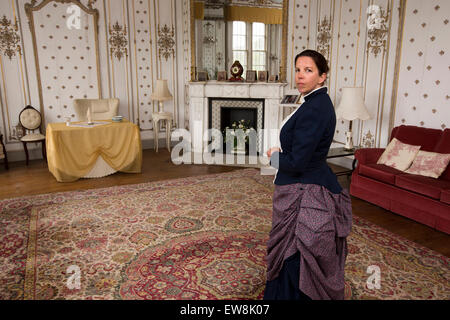 Ireland, Co Wexford, Ballyedmond, Wells House, Louise Cullen as Lady Frances in the Versailles Room - Stock Photo