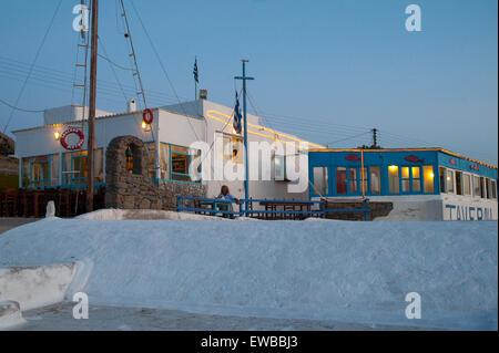 Griechenland, Kykladen, Mykonos, Halbinsel Divounia, Taverne Markos - Stock Photo