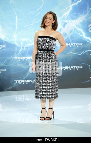 Berlin, Germany. 21st June, 2015. Actress Emilia Clarke arrives to the European premiere of the film 'Terminator Genisys' in Berlin, Germany, 21 June 2015. Photo: Joerg Carstensen/dpa/Alamy Live News Stock Photo