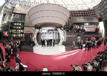 Berlin, Germany. 21st June, 2015. The actors arrive to the European premiere of the film 'Terminator Genisys' in Berlin, Germany, 21 June 2015. Photo: Joerg Carstensen/dpa/Alamy Live News Stock Photo