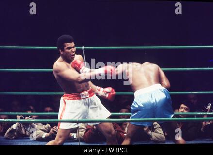 muhammad ali,cassius clay vs joe frazier,1975 - Stock Photo
