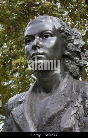 Portrait of Violette Szabo, Special Operations Executive Memorial, Albert Embankment, London, England. - Stock Photo