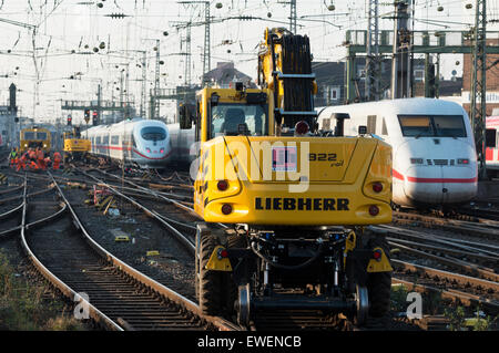 liebherr 922 rail to road crane cologne germany stock photo royalty free image 84531984 alamy. Black Bedroom Furniture Sets. Home Design Ideas