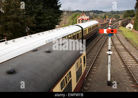 UK, England, Worcestershire, Bewdley, Severn Valley Railway, trains in GWR livery at station - Stock Photo