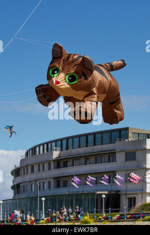 Morecambe, Lancashire, UK 27th June, 2015. Catch The Wind Kite Festival an annual festival on Morecambe seafront, - Stock Photo
