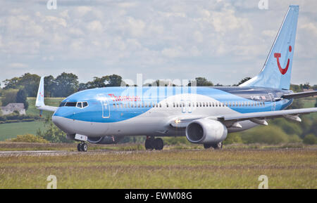 Thomson Airways Boeing 737 G-TAWC taxiing at London-Luton Airport LTN - Stock Photo