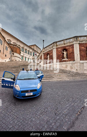 The Quirinal Palace (known in Italian as the Palazzo del Quirinale or simply Quirinale) is a historic building in - Stock Photo