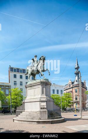 Belgium, Antwerp, King Leopold I statue on the Leopoldplaats - Stock Photo