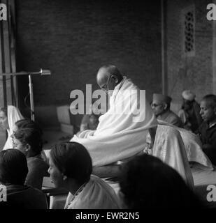 the journey of mahatma gandhi religion essay Mahatma gandhi had a very important role to play in india's freedom struggle read about mahatma gandhi's role in freedom struggle.