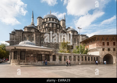 Yeni Cami, The 'New' Mosque in Istanbul - Stock Photo