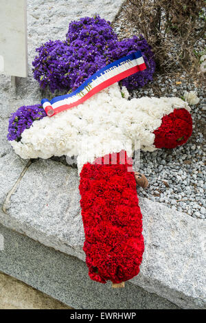 Patriotic wreath,flowers,remembrance at Paris,France,Pere,Lachaise,cemetery,Paris,flowers,grave,wreath, - Stock Photo