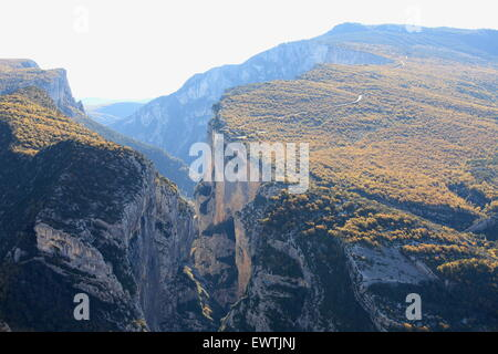 The Verdon canyon in autumn, Verdon regional park - Stock Photo