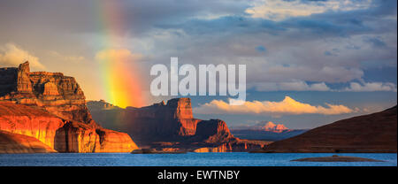 Rainbow in the Padre Bay, from Cookie Jar Butte. Lake Powell, Utah, USA - Stock Photo