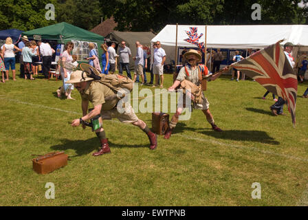 Entertainers Edmund & Hilary at the Farewell to the Garrison Festival, Bordon, Hampshire, UK. Saturday 27 June 2015. - Stock Photo