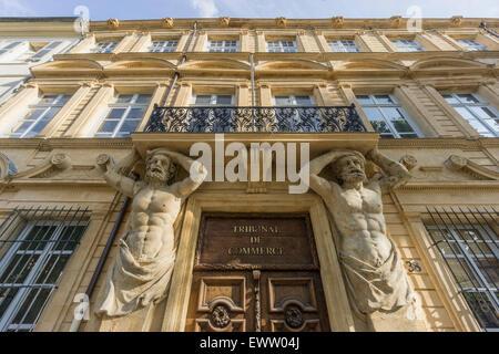 Dorway with caryatids tribunal de commerce atlas figures - Tribunal de commerce salon de provence ...
