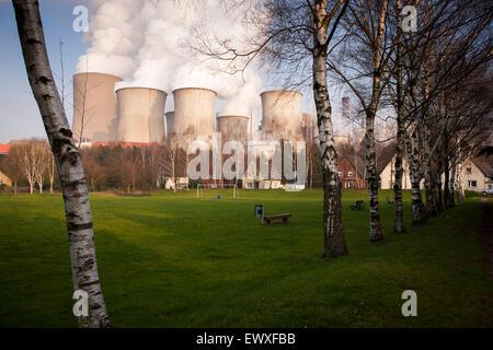 DEU, Germany, North Rhine-Westphalia, the brown coal power station Niederaussem near Bergheim, the district Auenheim. - Stock Photo