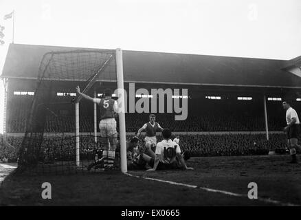 Tottenham 1-4 Arsenal, League Division One match at White Hart Lane, Saturday 31st January 1959. - Stock Photo