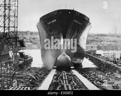 The launch of the Cunard container ship Atlantic Conveyor, at Wallsend on Tyne. Atlantic Conveyor was later requisitioned - Stock Photo