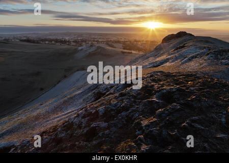Sunrise from the summit of Thorpe Cloud, Peak District National Park, Derbyshire, England - Stock Photo