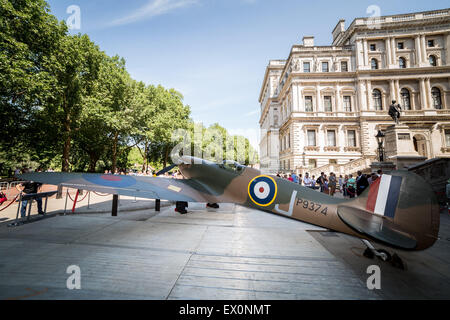 London, UK. 3rd July, 2015. A Vickers Supermarine Spitfire Mk 1A aircraft is pictured outside the Churchill War - Stock Photo