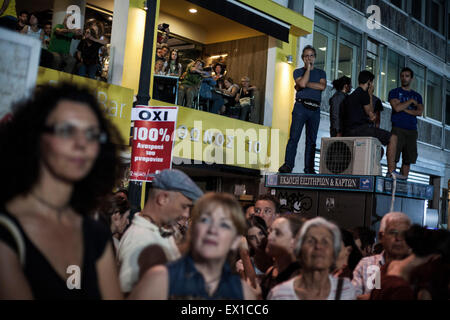 Athens, Greece. 03rd July, 2015. People at Syntagma square during a demonstration supporting the NO at the Sunday's - Stock Photo