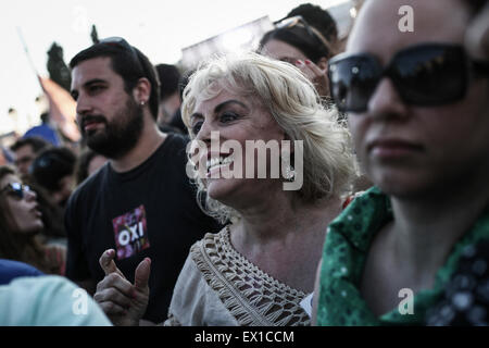 Athens, Greece. 03rd July, 2015. A woman reacts during a demonstration supporting the NO at the Sunday's referendum - Stock Photo