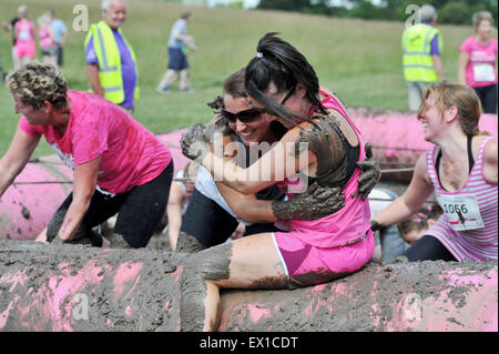 Brighton UK Saturday 4th July 2015 - Thousands of women take part in the Cancer Research UK Race for Life Pretty - Stock Photo