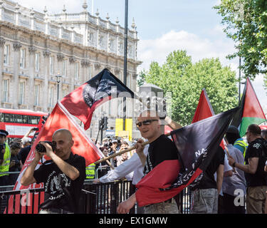 London, 04th July 2015. Protesters from Neo-Nazi groups turn out during an anti semetic demonstration dubbed 'Campaign - Stock Photo
