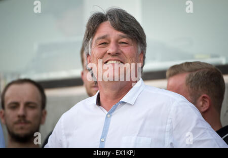 Stuttgart, Germany. 29th June, 2015. Stuttgart's president Bernd Wahler watches the kick-off training session of - Stock Photo