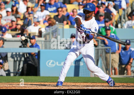 Los Angeles, CA, USA. 4th July, 2015. Los Angeles Dodgers shortstop Jimmy Rollins #11 bats for the Dodgers in the - Stock Photo