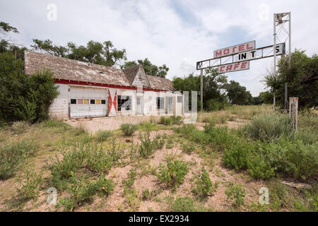 Abandoned First In Last In gas station off Route 66 in Glenrio, Texas - Stock Photo