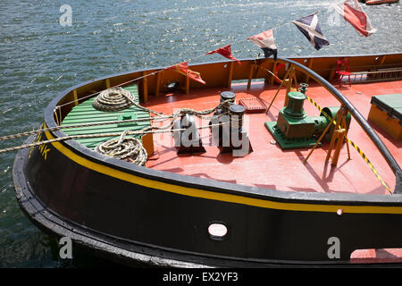 Stern Aft Deck Tug Boat Rope Ropes Pull Pulling - Stock Photo