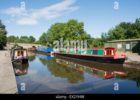 Canal basin, with narrow boats, at Pontcysyllte on the Llangollen Canal - Stock Photo