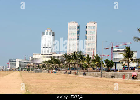 Galle Face Beach in Colombo, Sri Lanka.  The high raised buildings are of the Headquarters of Ceylon Bank and the - Stock Photo
