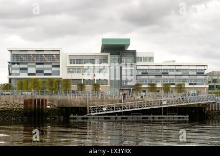 West College Scotland in Clydebank, Glasgow, UK with access to the river Clyde - Stock Photo